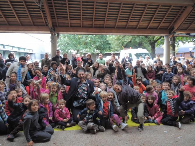 Spectacle de magie de rue avec le magicien Max Zargal au Festival Ile était une fois à Nantes