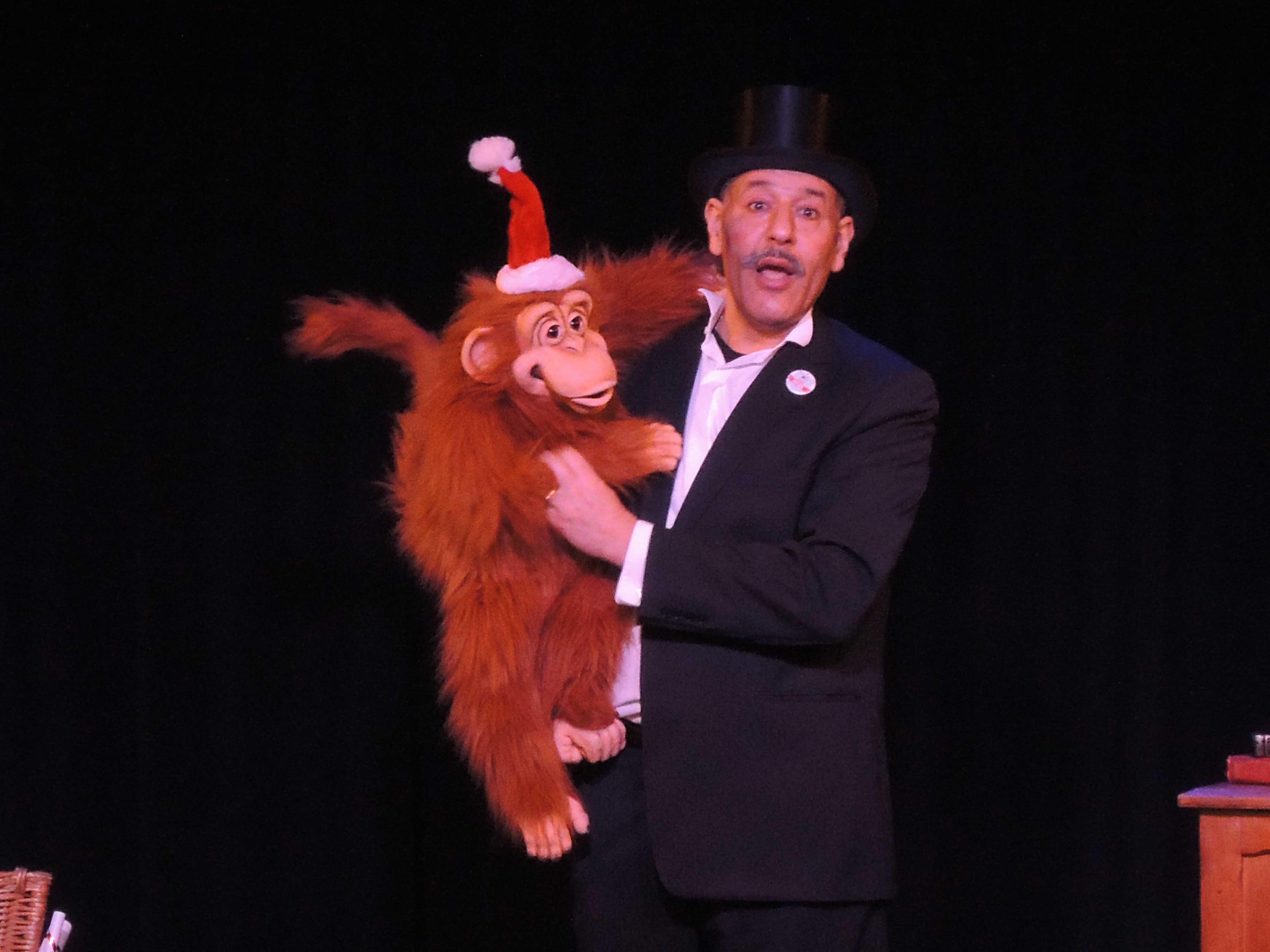 Magicien de noël et le ventriloque